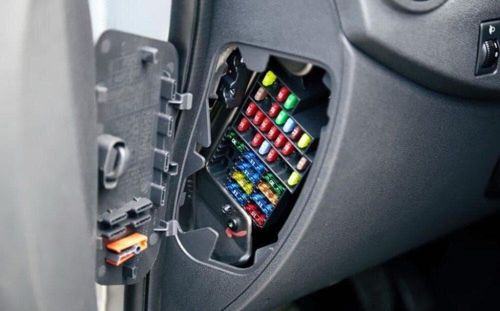 Предохранитель прикуривателя Форд Фокус 2: где находится, как заменить